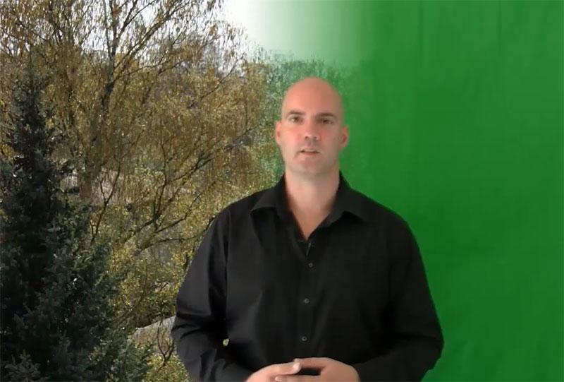 Den Greenscreen durch einen neuen Hintergrund ersetzen